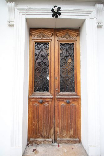 Porte ancienne réécrite