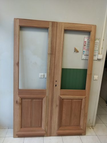 Reproduction isolante porte ancienne
