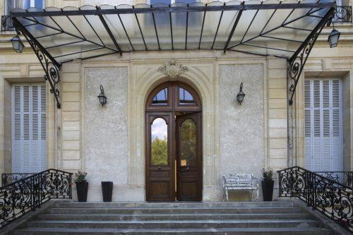 Restauration porte d'entrée